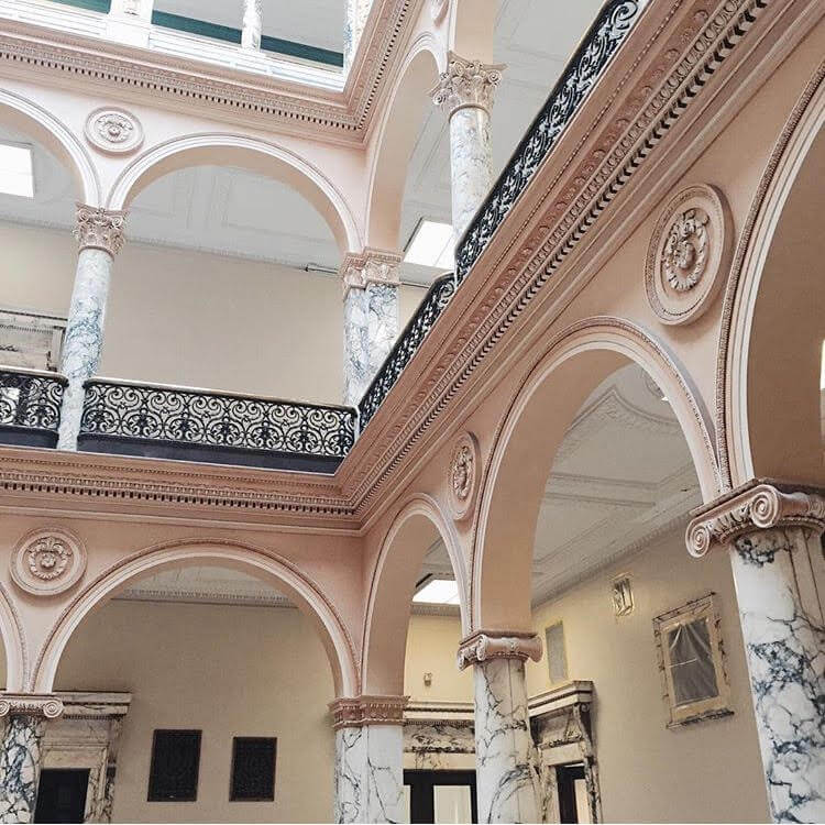 10-city-hall