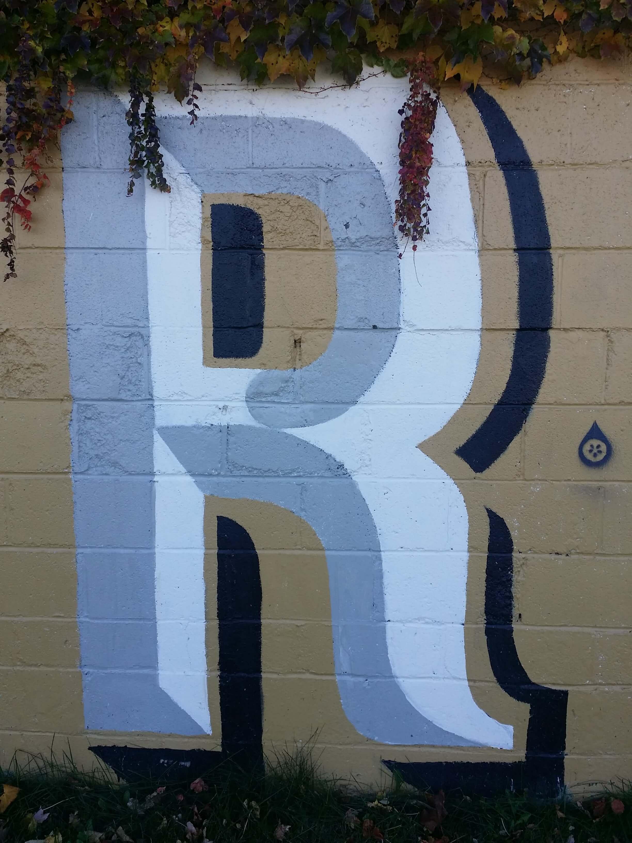 7-r-mural